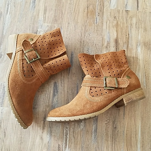 Women s Restricted Faux Suede Ankle Boots cf0b737450